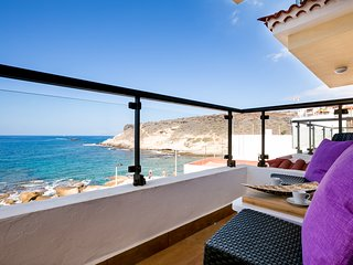 Very nice, new apartment in La Caleta, sea view