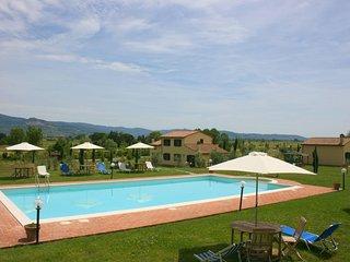 10 bedroom Villa in Camucia-Monsigliolo, Tuscany, Italy : ref 5399086