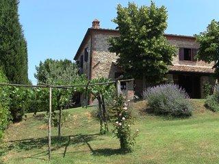 4 bedroom Villa in Monte San Savino, Tuscany, Italy : ref 5395024
