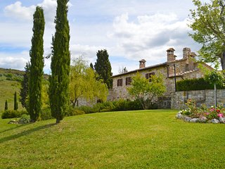 3 bedroom Apartment in San Gimignanello, Tuscany, Italy : ref 5624217