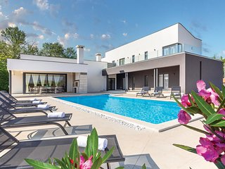 5 bedroom Villa in Kujici, Istria, Croatia : ref 5673004