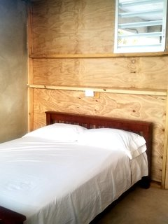 Bedroom 7 now has 1 full bed & 1 military bunk that sleeps 2 guests in the bunk.