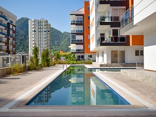 C2: Pool view 1 bedroom with panoramic windows