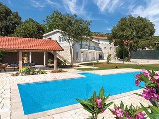 5 bedroom Villa in Bilopavlovici, Splitsko-Dalmatinska Zupanija, Croatia : ref 5