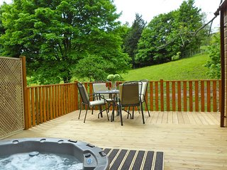 Trout beck Lodge - 2 bed, pet friendly, with Hot Tub