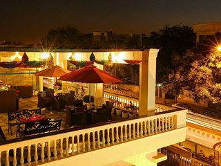 9 Rooms Holiday Home + Terrace New Delhi, GK-2