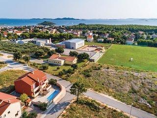 5 bedroom Villa in Pakostane, Zadarska Zupanija, Croatia : ref 5526766