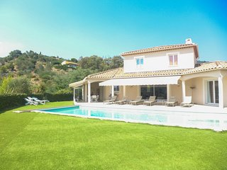 4 bedroom Villa in Bormes-les-Mimosas, France - 5699941