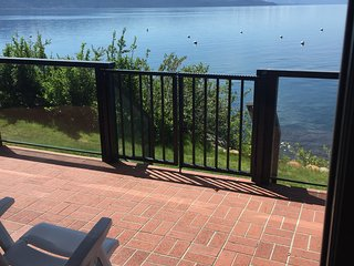 Spectacular Lakefront Condo with Lake Access!