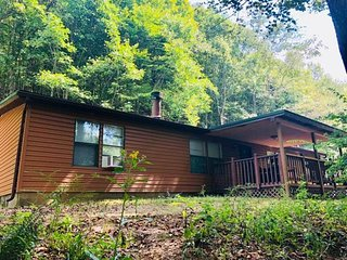 Cross Creek Cabin Hocking Hills Ohio - 1st Choice Cabin Rentals