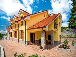 5 bedroom Villa in Oltari, Licko-Senjska Zupanija, Croatia : ref 5605275