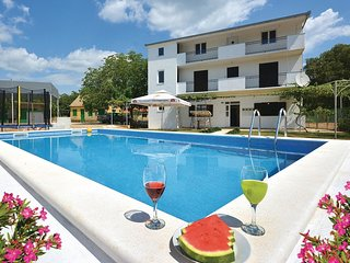 2 bedroom Villa in Celine, Splitsko-Dalmatinska Zupanija, Croatia : ref 5673178
