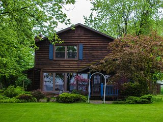 The Haven, a  peaceful, lake front year round rental just 13 miles from Syracuse