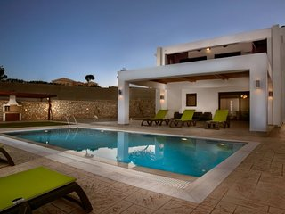 3 bedroom Villa in Lachania, South Aegean, Greece : ref 5668543