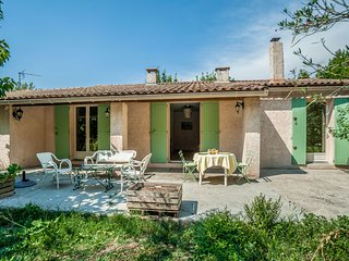 3 bedroom Villa in Eyragues, Provence-Alpes-Côte d'Azur, France : ref 5668417