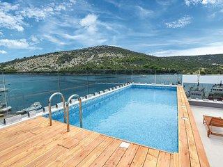 5 bedroom Villa in Vinisce, Splitsko-Dalmatinska Zupanija, Croatia : ref 5672730