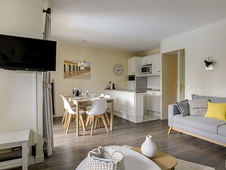 2 bedroom Apartment in Saint-Arnoult, Normandy, France : ref 5669690