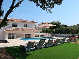 4 bedroom Villa in Le Mourillon, Provence-Alpes-Côte d'Azur, France : ref 564361