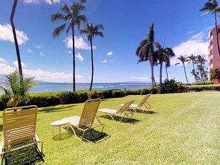 Oceanfront condo w/ patio, great views & shared pool/hot tub - miles of beach!