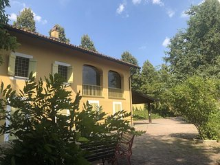 Bricco Visconti Holiday Home Sleeps 12 with Pool and Free WiFi - 5653675