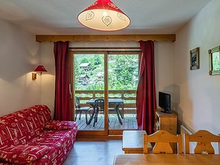 Charming and Tranquil 1 Bedroom Apartment with Mountain-Inspired Decor