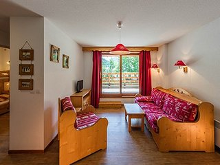 Amazing 3 Bedroom Apartment for Large Groups Sleeping Up to 10 Guests!