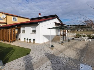 2 bedroom Villa in Valbandon, Istria, Croatia : ref 5625570