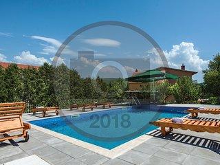 7 bedroom Villa in Trilj, Splitsko-Dalmatinska Zupanija, Croatia : ref 5672729