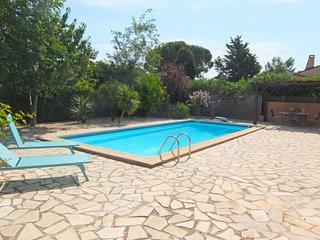 3 bedroom Villa in Saint-Cyprien-Plage, Occitania, France : ref 5668621