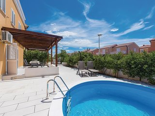 4 bedroom Villa in Jadrija, Sibensko-Kninska Zupanija, Croatia : ref 5673229