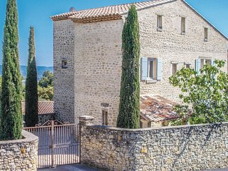 5 bedroom Villa in Le Barroux, Provence-Alpes-Cote d'Azur, France : ref 5670919