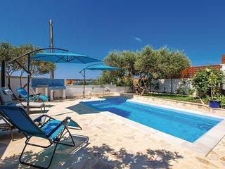 3 bedroom Villa in Barbat, Primorsko-Goranska Zupanija, Croatia : ref 5672731