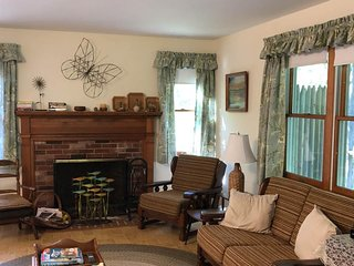 Private home in a bayside neighborhood w/ 2 large decks - walk to beaches, town!