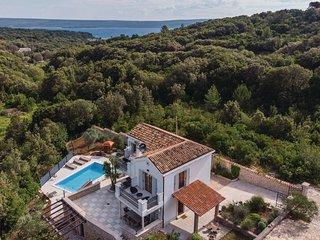 3 bedroom Villa in Jadranovo, Primorsko-Goranska Zupanija, Croatia : ref 5672664