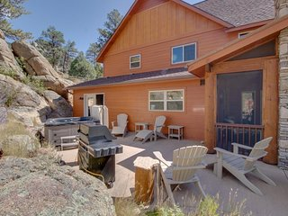 NEW LISTING! Enjoy the night skies from this family-friendly home w/ hot tub