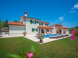 4 bedroom Villa in Batlug, Istria, Croatia : ref 5673227