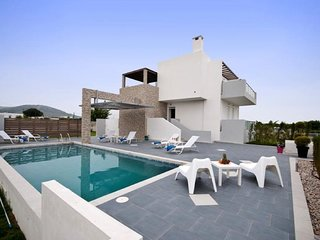 3 bedroom Villa in Tigaki, South Aegean, Greece : ref 5669445