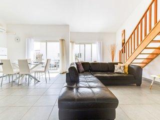 3 bedroom Apartment in Aigues-Mortes, Occitania, France : ref 5622646