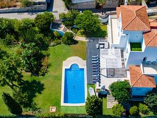 Luxury party Hedo villa Puerto Banus with staff on demand