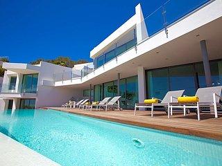 Es Cubells Villa Sleeps 10 with Pool and Air Con - 5669304