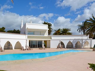 5 bedroom Villa in Praia do Vau, Faro, Portugal : ref 5668884