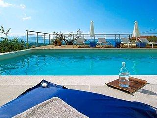 Kokkinon Khorion Villa Sleeps 6 with Pool and Air Con - 5433316