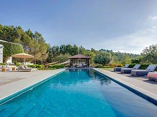 San Lorenzo de Balafia Villa Sleeps 14 with Pool Air Con and WiFi - 5669369
