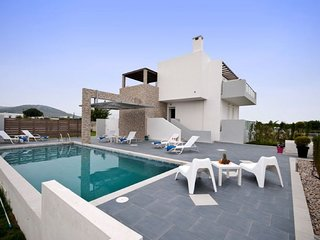 3 bedroom Villa in Tigkaki, South Aegean, Greece : ref 5669444