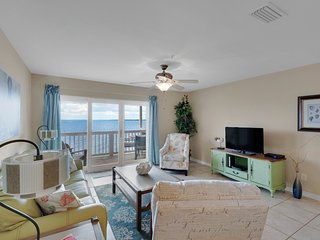 Sep 18-Oct 10 Open! Waterfront Home, Comm Pool, Beach, Sleeps 6, Wi-Fi