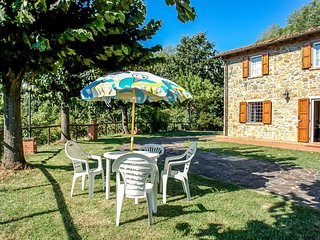 2 bedroom Apartment in Le Molina, Tuscany, Italy : ref 5625399