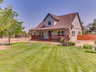 NEW LISTING! Upscale country home near Smith Rock State Park w/free WiFi-Dogs OK