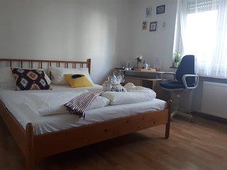 Ein helles Zimmer in der Nähe von Darmstadt
