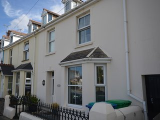 62723 House situated in Instow