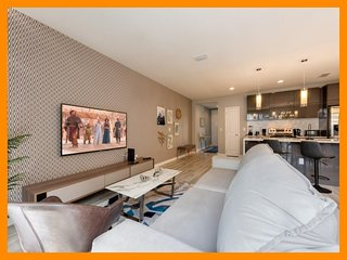 Le Reve Resort 14 - Modern townhouse with private plunge pool near Disney